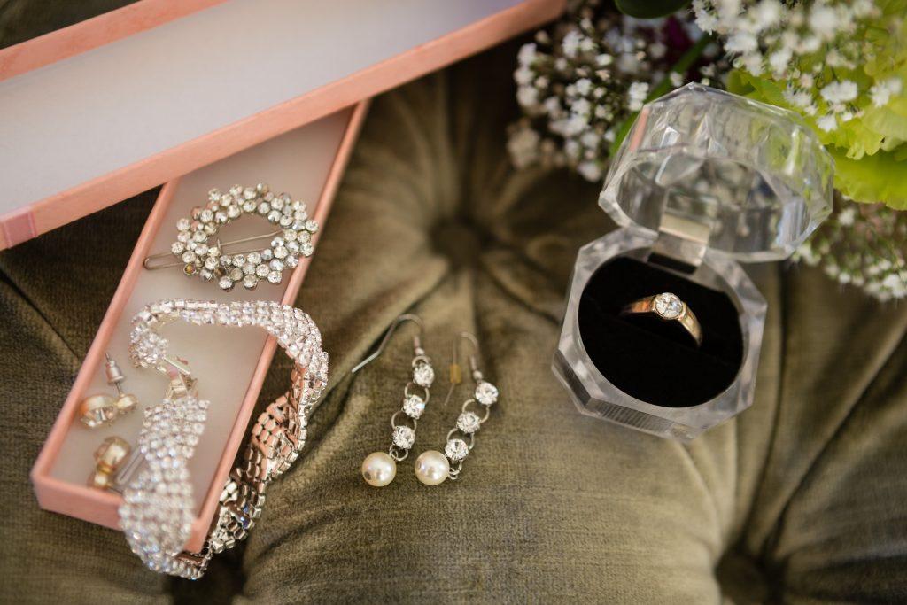 衣裳小物 アクセサリー イヤリング ネックレス ピアス 結婚指輪 指輪 リングピロー 洋装 フォトウェディング  物撮り インスタ映え フォトジェニック